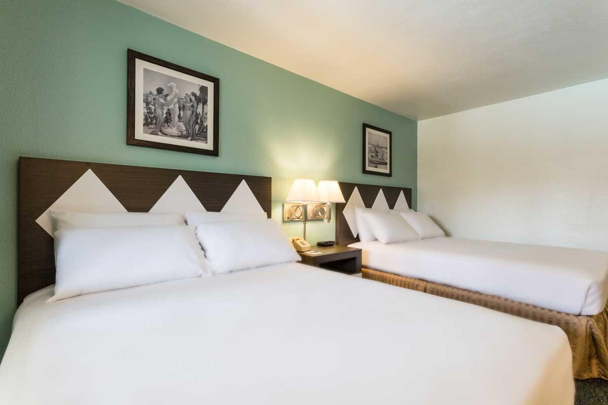 kings inn double queen beds
